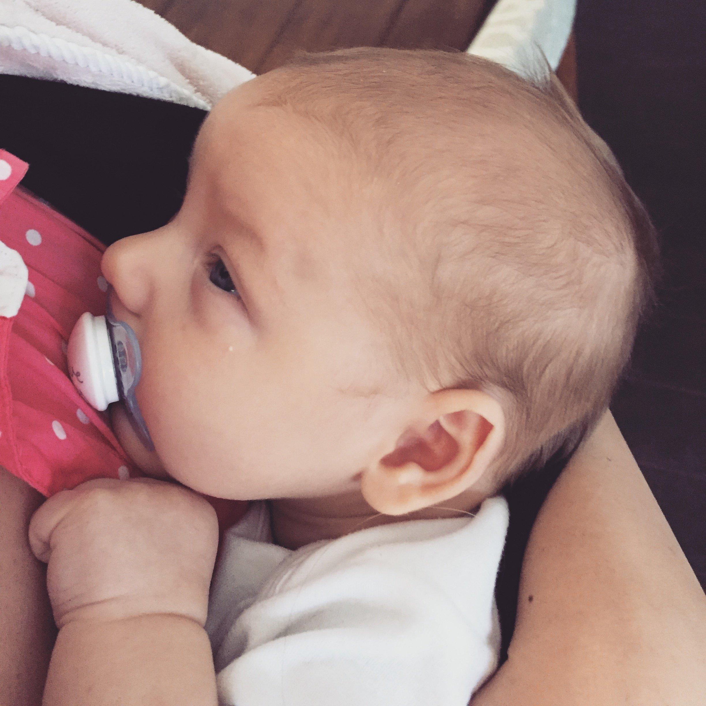 infant reflux, infant acid reflux, baby reflux, infant reflux symptoms, baby spit up